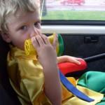 zac in macchina verso la scuola